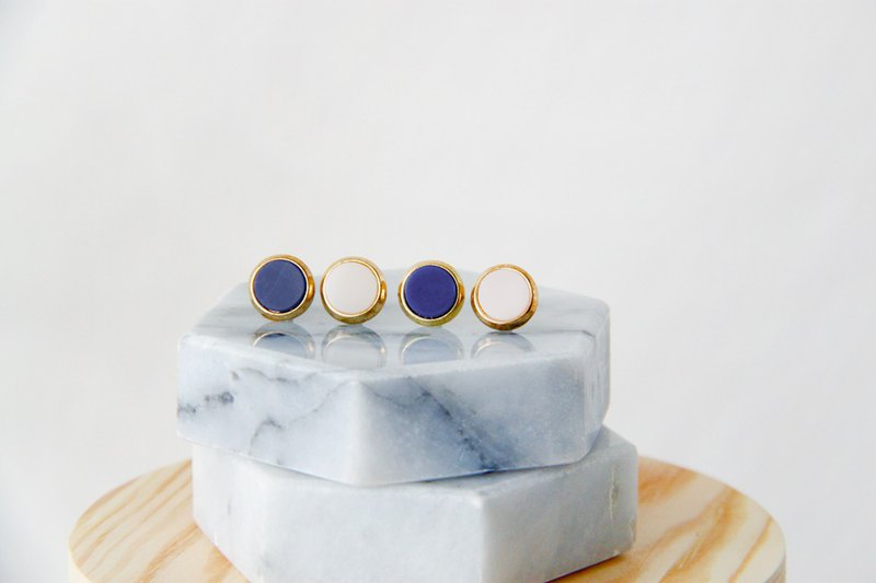 Inlaid gold-trimmed stone small round - dark blue ear earrings (pair) [can be changed ear clip]