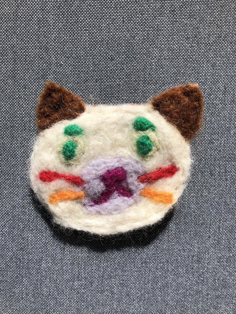 Cat brooch colorful