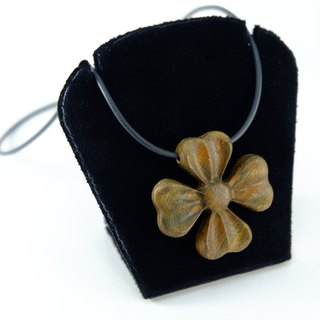 Four Leaf heart blossoming green clover Four Leaf Heart Bloom Milimite original creative birthday gift necklace lucky happiness