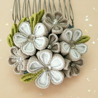 Hair decoration perfect for yukata made with knobwork old cloth (kimono fabric) [gray]
