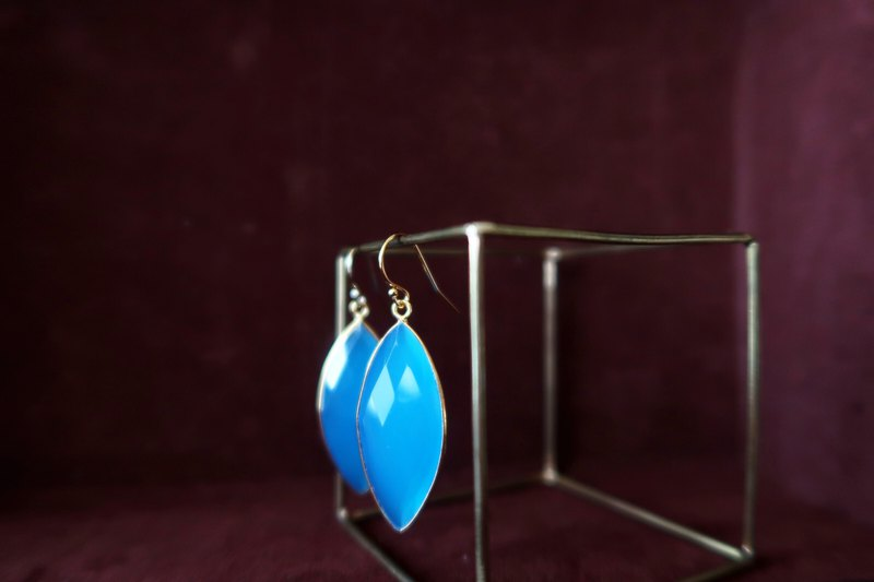 14KGF/ MARQUISE BLUE CHALCEDONY EARRINGS