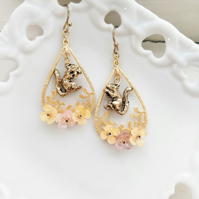 momolico earrings & squirrels (switchable)