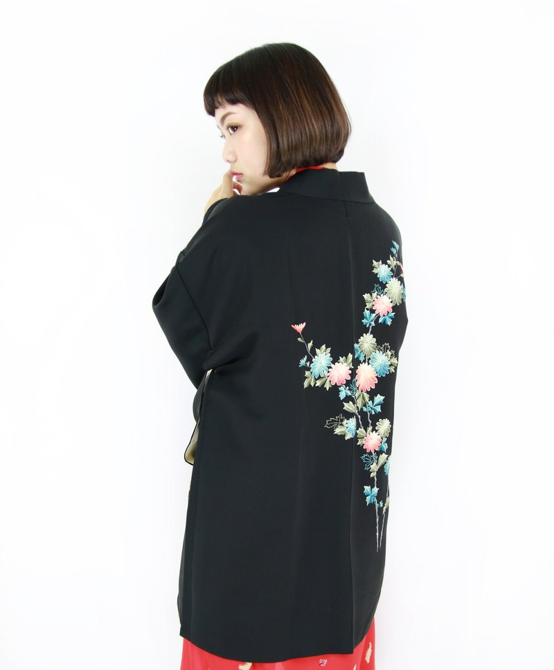 Back to Green :: Japan to bring back kimono feathers Gradually Bouquet // Men and women can wear // vintage kimono (KI-110)