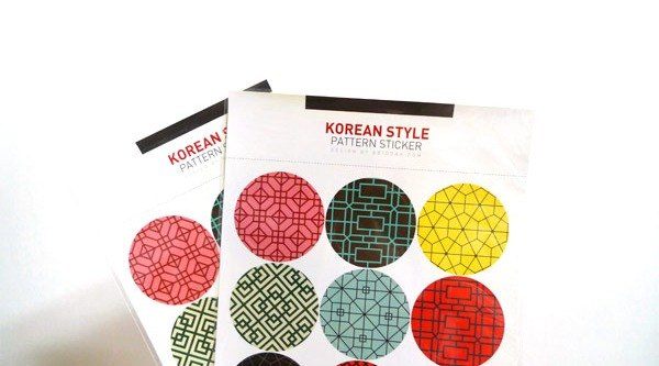 & Cabinet Round Stickers - Korean totem