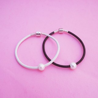 Cool Elegance Freshwater Pearl Sterling Silver Leather Bracelet
