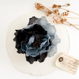 Corsage: two color peonyy (blue × black) Peony of two color petals.
