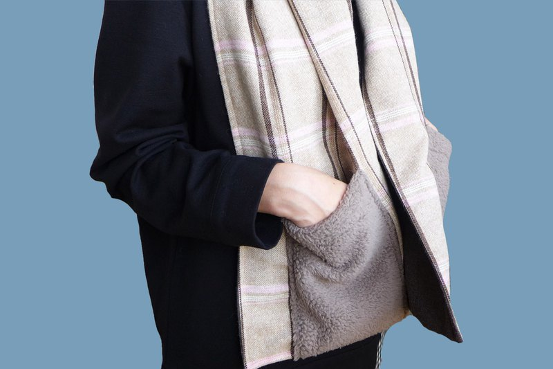 Winter friends - wool pocket scarf triple (temperament powder)