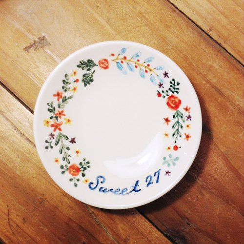 Small hand-painted porcelain - exclusive custom wreath with text (customized, name)
