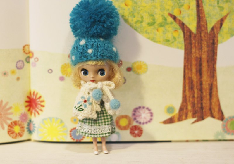 Petite Blythe's Hat Small Cloth Size Hand Knit Monochrome Ball Cap (Light Blue)