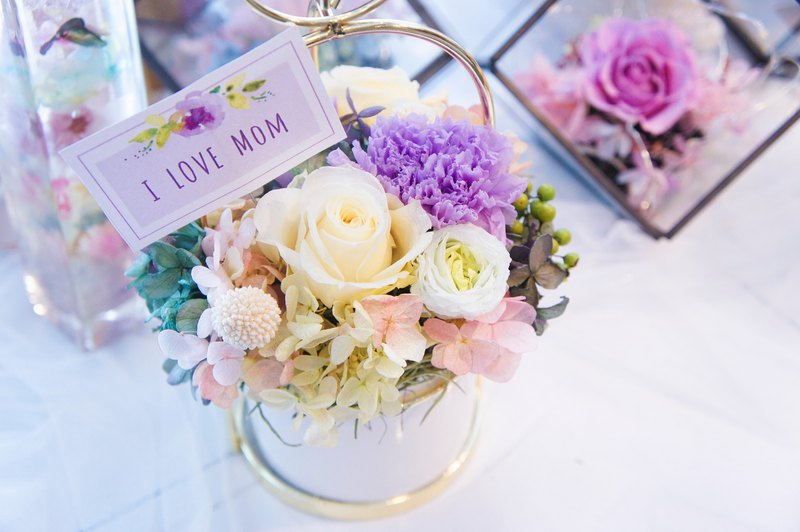 [Not only know how to love and also love potted flowers] Happy Mother's Day gift goods set up small table flowers