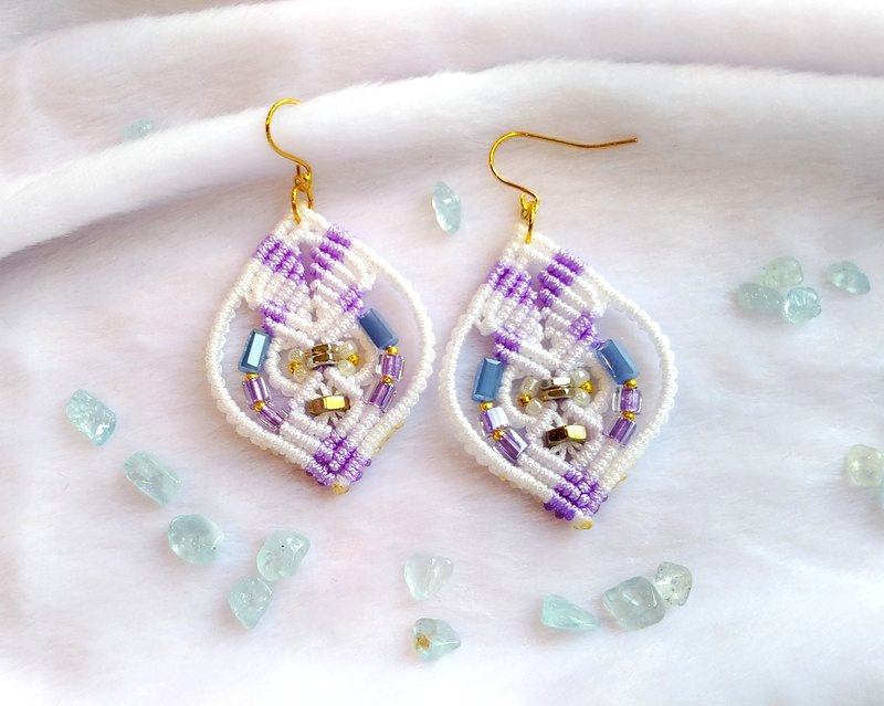 E022-Hand-woven olive earrings fresh white and purple