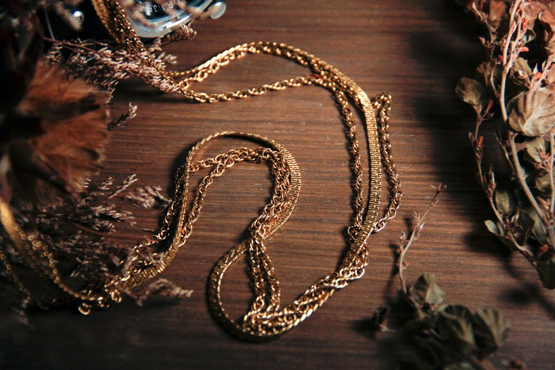 [Antique Jewelry / Old Western Items] VINTAGE American MONET Gold Three-layer Vintage Long Necklace