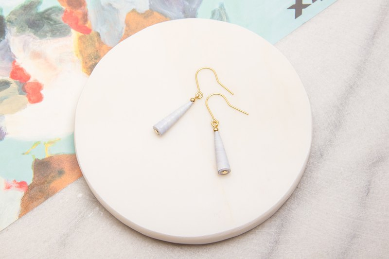 Light purple gray single-layer awl earrings