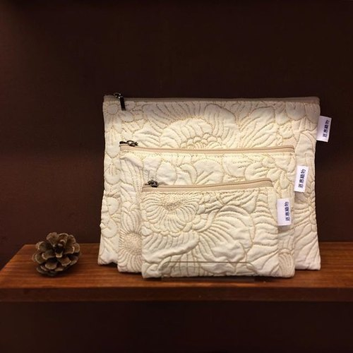 은혜직물pouch / white embossed embroidery zipper bag