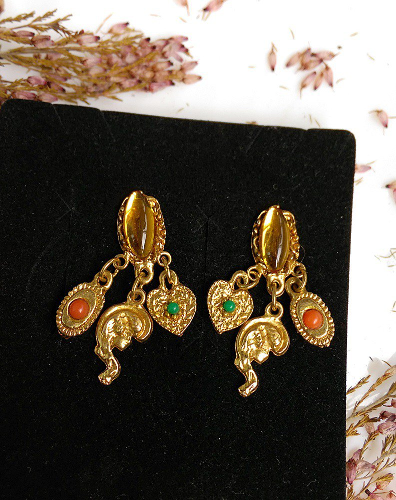 Western antique ornaments. Multi-drop girl clip earrings