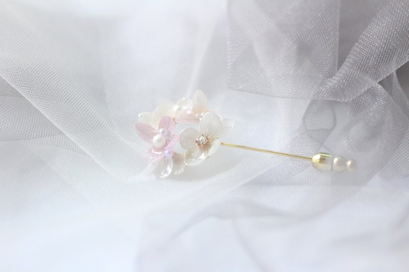 One Refinement F.MISS White Purple Japan - Eternal Flower \ Dried Flower Zijian Flower / Hydrangea Resin Dijiao Hand Brooch / Accessories