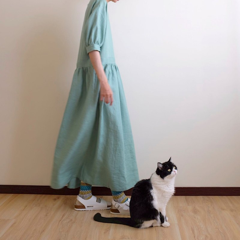 Daily hand-made clothes walking garden green bamboo color five-pointed fluffy sleeves long dress linen