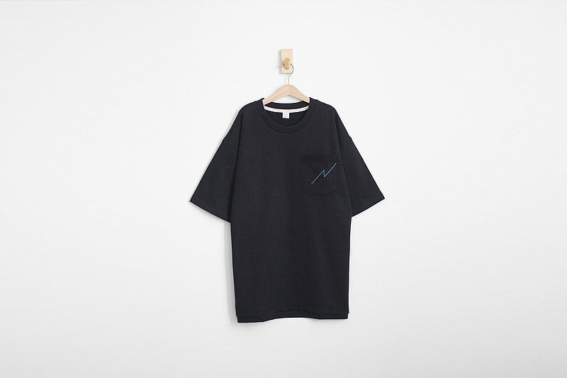 Loose off shoulder hem open placket type cotton black thick solid face pocket Tee - only S number