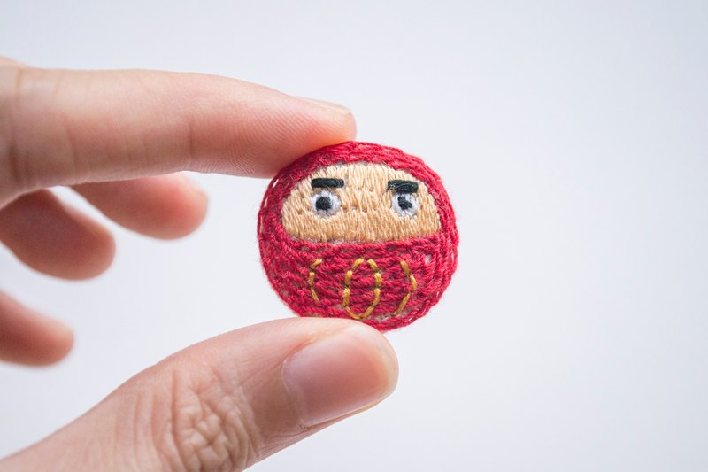 達磨胸針 Daruma mini brooch pin