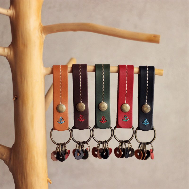 [Leather products made in Japan] Long-selling key holder ac-1 that can be attached to a belt or bag [Please select a color from the following product types]