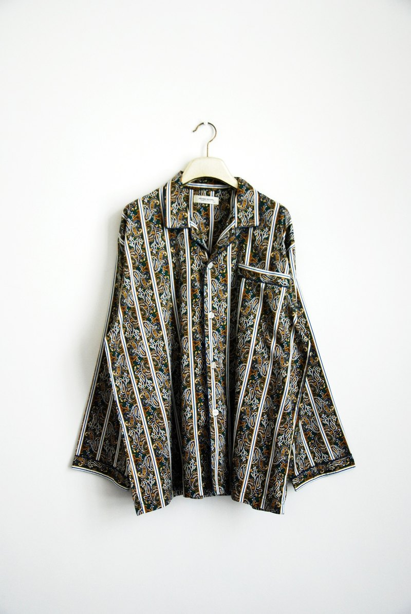 Antique peculiar printed pajamas shirt