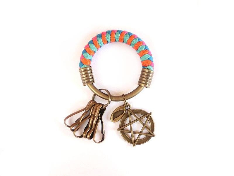 [Na UNA- excellent hand-made] key ring (small) 5.3CM pink + orange + green + light blue + lake five back staggered born hand-woven wax rope hoop customization
