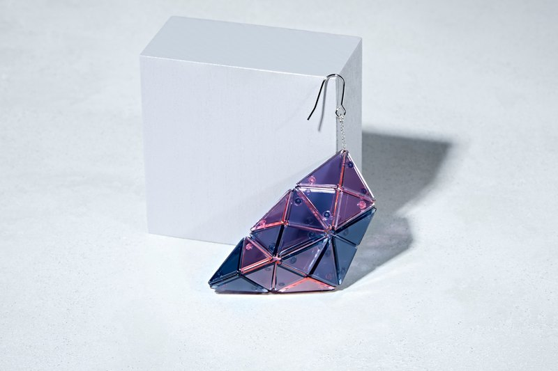 Lucent-Pink/Navy-Earring