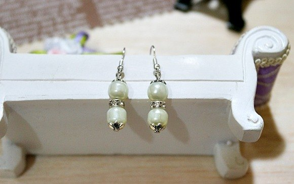 Rhinestone Alloy X * _ * sweet pear white hook earrings
