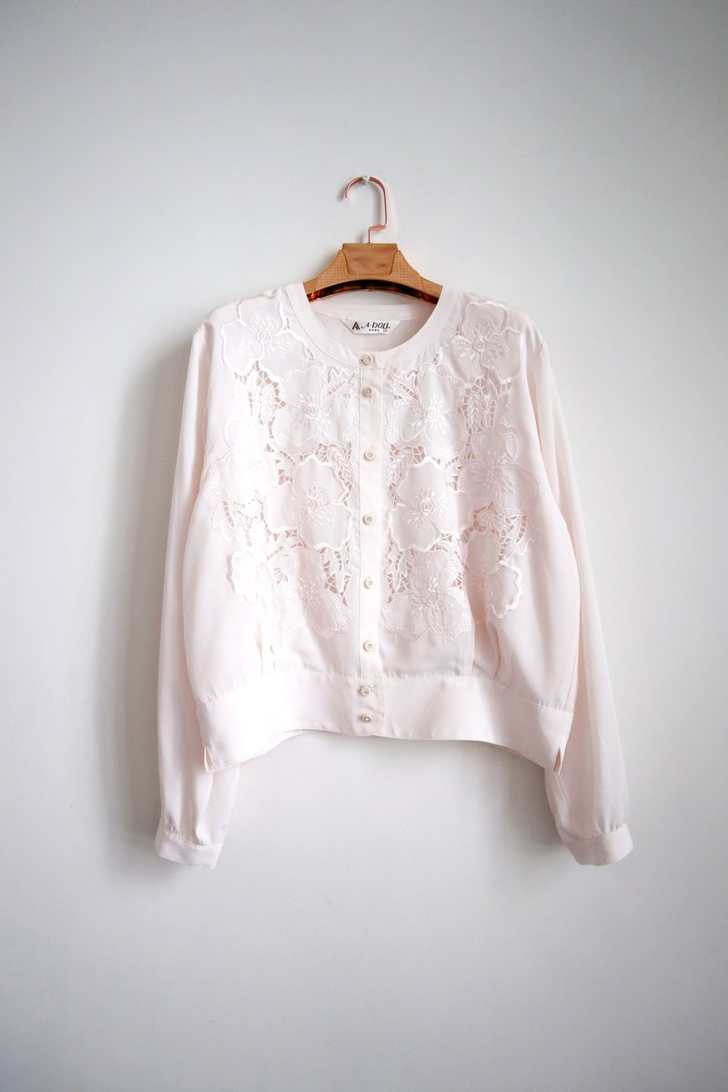 Pumpkin Vintage. Vintage round neck carved shirt
