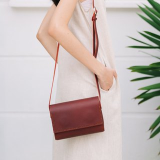 SUBMARINE-HANDMADE SMALL LEATHER SHOULDER BAG -RED WINE
