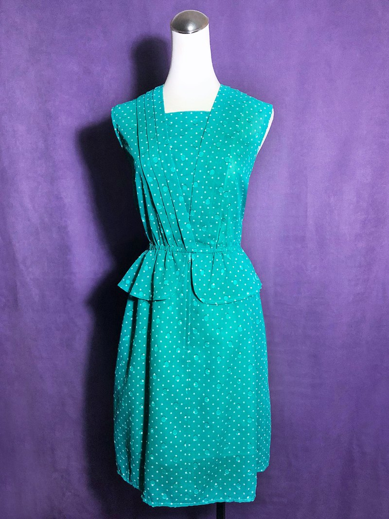 Little textured ruffled sleeveless vintage dress / brought back to VINTAGE abroad