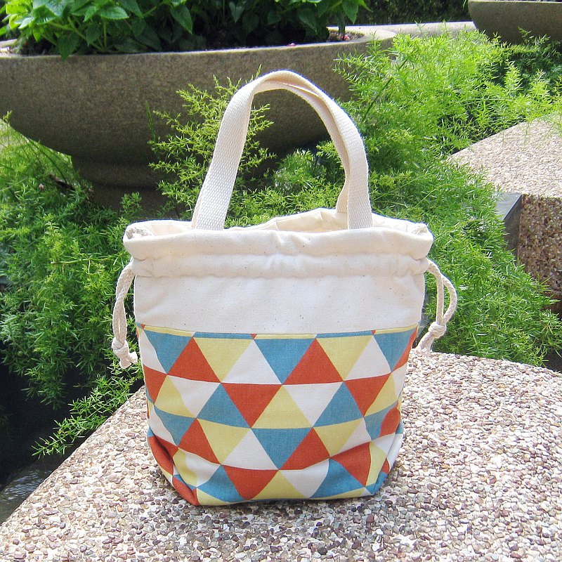 Three-in-one shoulder / cross-body / portable beam bucket bag ~ triangle pattern (A14)