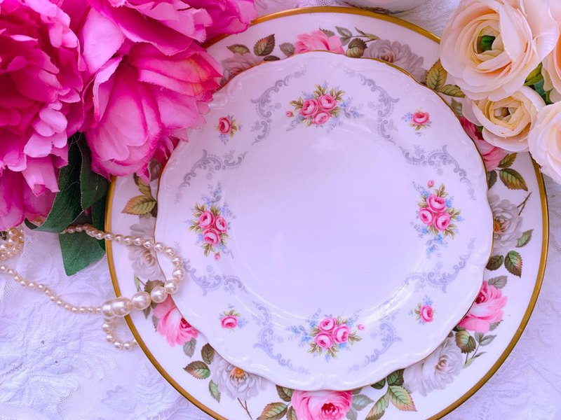 British Royal Albert 22k gold-plated Tranquility rose garden cake plate snack plate salad plate