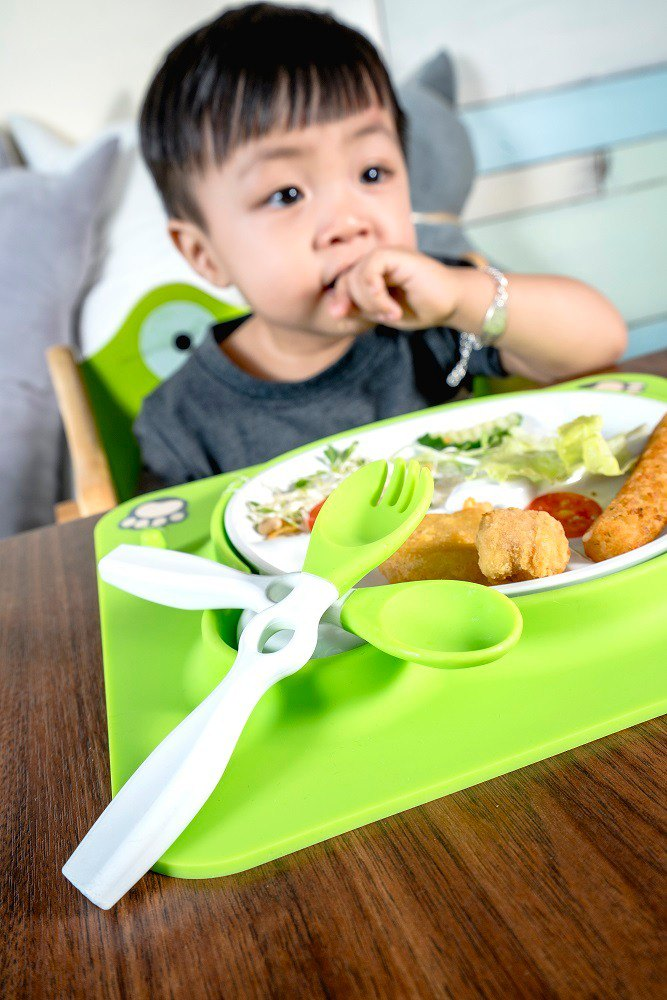 Buy one get one free!!! Ur Bebe Yubei children's learning tableware set with sugar