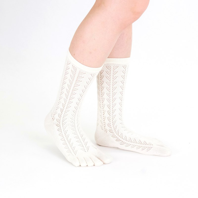 Liala pattern toe socks
