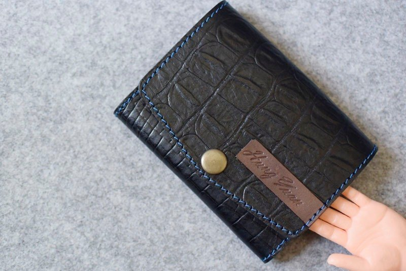 YOURS miss chen card holder (intermediate capacity 50-60) black crocodile pattern + dark wood color leather