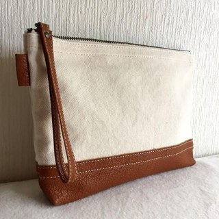 Simple pouch of vintage No. 8 canvas and goat leather tannin soft dumpling 【Camel】