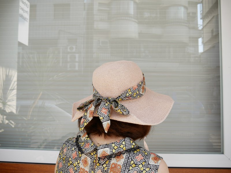 Exclusive textured floral bow straw hat (R7757F)