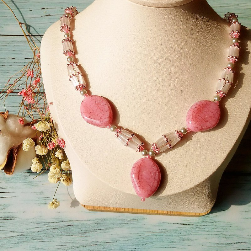 Red Pink Beauty Handmade Beaded Imported Imitation Jade Necklace