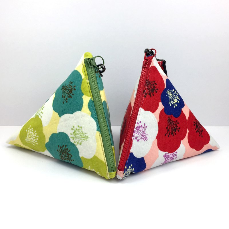 Little girl's triangle bag:::Flower series