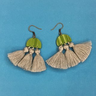 Geometry x tassel double earrings light green x gray ear hook / ear clip
