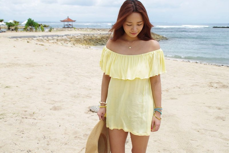 2017 Spring Summer! Off shoulder ruffle tops <yellow>