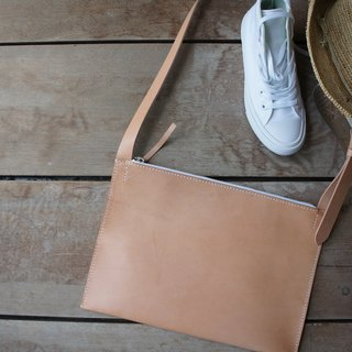 Flat shoulder bag