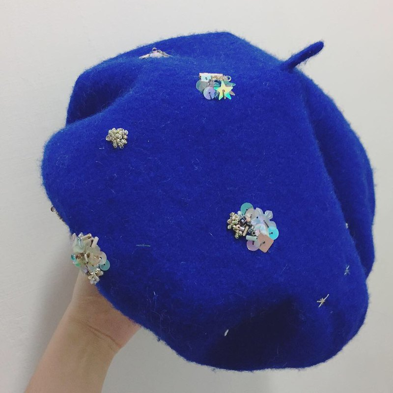 Small universe sapphire embroidery pure wool beret cap adult size