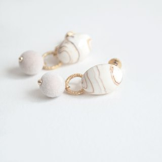 TeaTime Milk White Marble Removable Two Wear Ear Clips