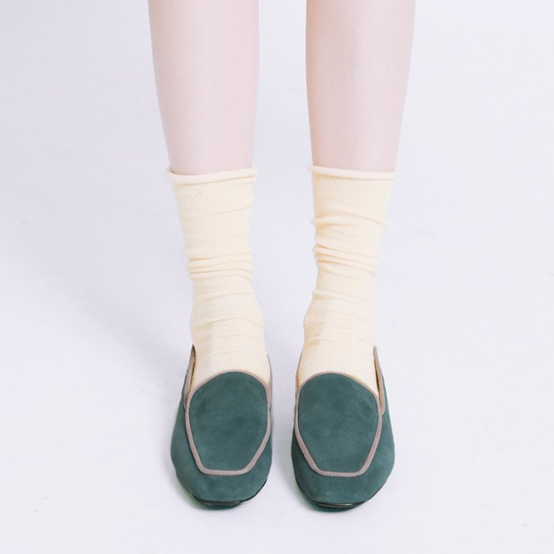 Light mousse feels! Velvet piping small square head shoes sea green leather MIT