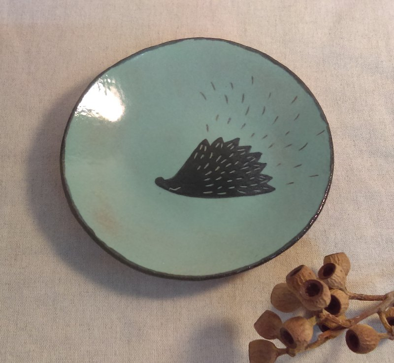 Spot send immediately!DoDo whispers. Animal Silhouette - Hedgehog in the dish (blue and green)