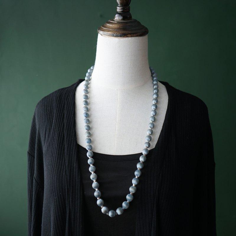 【古董飾品/西洋老件】(瑕疵特價)VINTAGE淺灰藍色絲質古著項鍊
