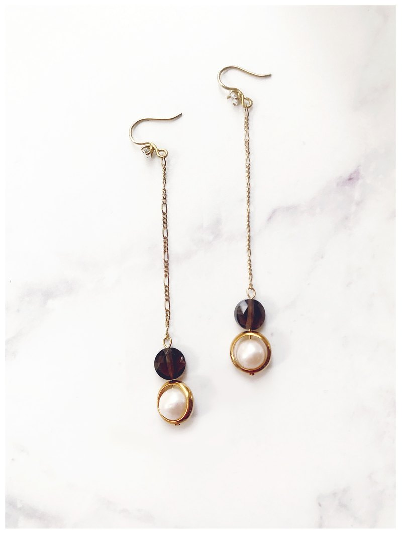 + Chamomile pearl ‧ drape long earrings +