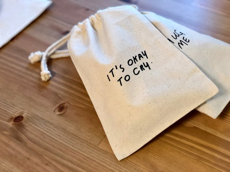 Drawstring Bag / Quote / It's okay to cry